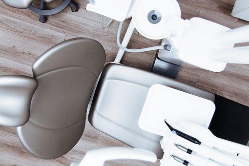 Faut il voir un dentiste à Genève ou à Paris ?